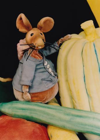 Moussong Theater mit Figuren, Lumpengesindel auf Reisen