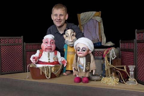 Mousssong Theater mit Figuren, Der kleine Muck