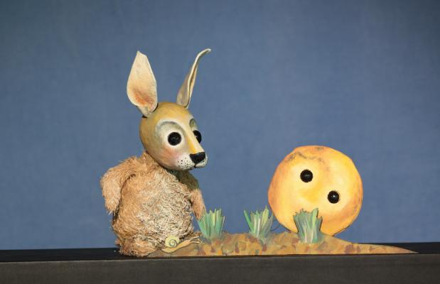 Der dicke, fette Pfannkuchen und der kleine Hase, Moussong Theater mit Figuren